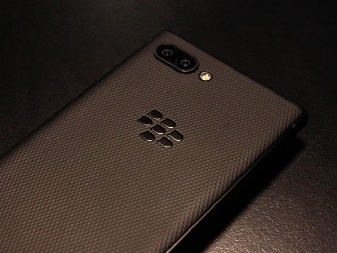 Ban phim vat ly co the giet chet Blackberry Key2 hinh anh 3