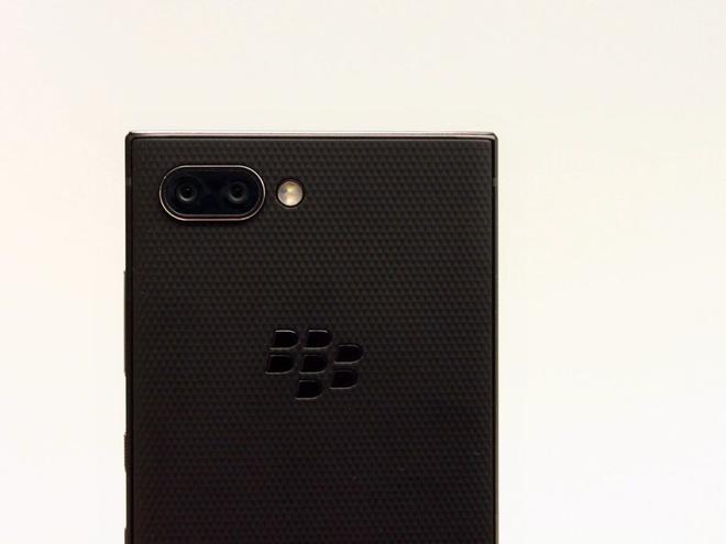 Ban phim vat ly co the giet chet Blackberry Key2 hinh anh 1