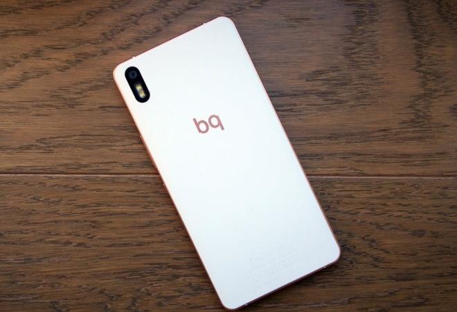 Doi tac BQ cua Vinsmart tung san xuat nhung smartphone nao? hinh anh