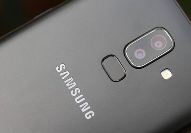Galaxy J8 ra mat voi camera kep xoa phong gia 7,3 trieu dong hinh anh