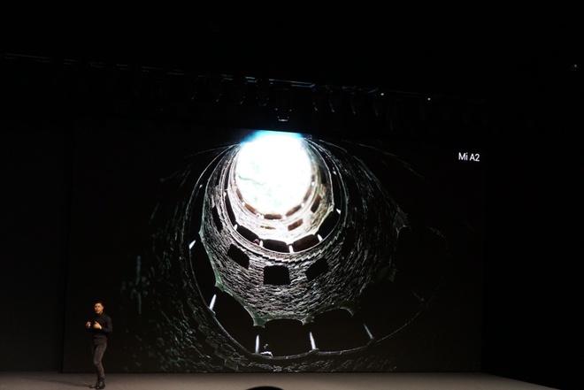 Xiaomi ra Mi A2 va A2 Lite - camera kep AI, cau hinh tot, Android One hinh anh 16