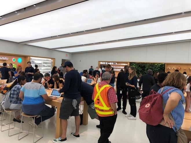 Apple thau iPhone cu gia 290 USD trong 30 phut hinh anh 6
