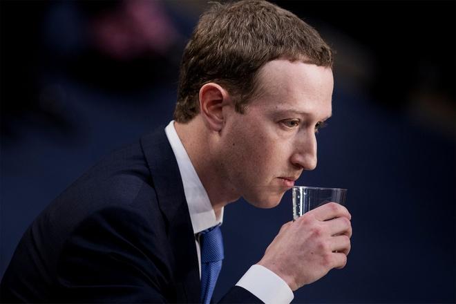 Co phieu Facebook xuong thap nhat trong 2 nam qua hinh anh