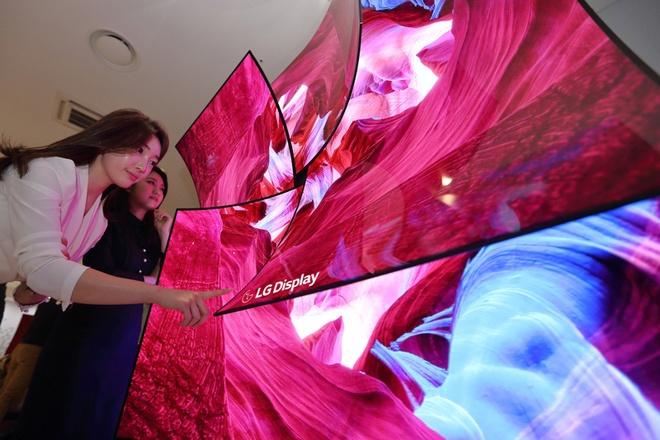 LG ra man hinh OLED 8K kich thuoc 88 inch tich hop loa trong hinh anh 1