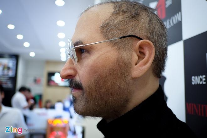 Cua hang dien thoai chi tram trieu mang tuong Steve Jobs ve VN hinh anh 2