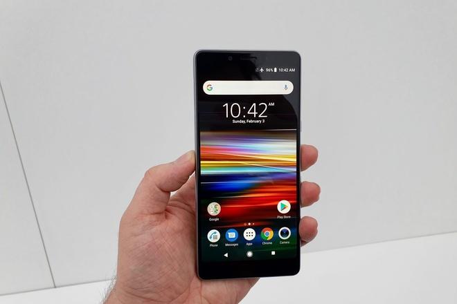 Chi tiet Sony Xperia L3 vua ra mat: Gia tam trung, cau hinh tu 2017 hinh anh 2