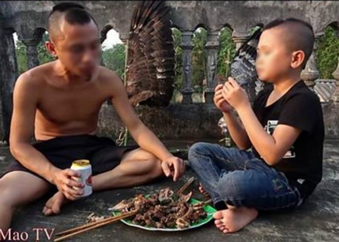 Kênh YouTube Ẩm thực Tam Mao thực hiện video ăn thịt chim quý hiếm.
