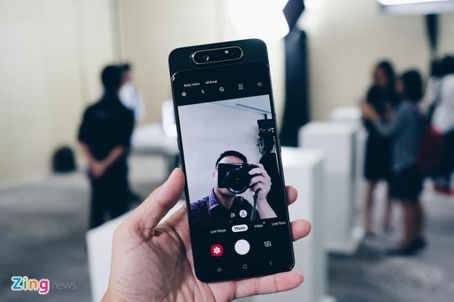 Anh chi tiet Galaxy A80: Camera truot xoay, hop lam vlog, livestream hinh anh 6