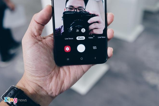 Anh chi tiet Galaxy A80: Camera truot xoay, hop lam vlog, livestream hinh anh 7