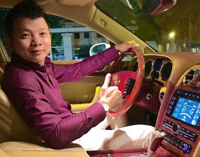 Thu linh nhom the kiem trieu USD tai pho di bo Nguyen Hue hinh anh