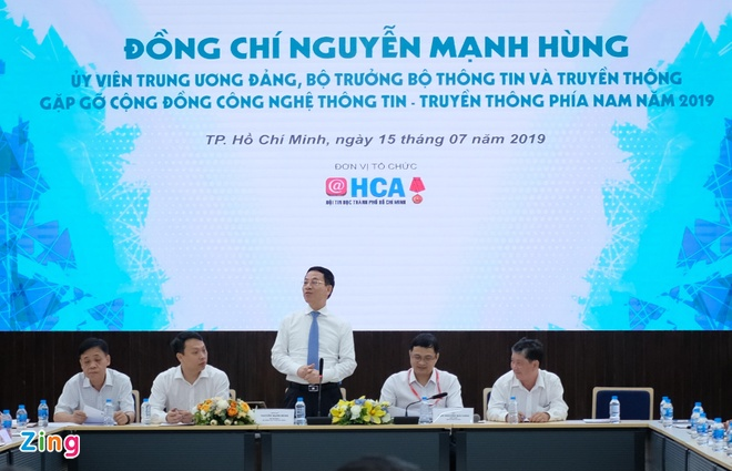 Bo truong TTTT: 'Viet Nam can co mang xa hoi rieng thay Facebook' hinh anh 1
