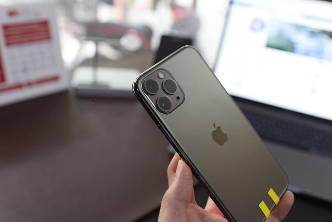 Mot nguoi Viet da co du 3 chiec iPhone moi du Apple chua mo ban hinh anh 4