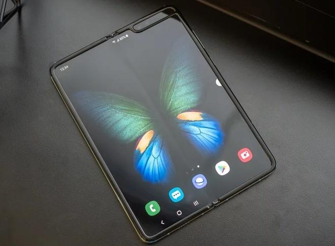 Samsung phu nhan da ban 1 trieu chiec Galaxy Fold hinh anh 1 Screenshot_13.jpg