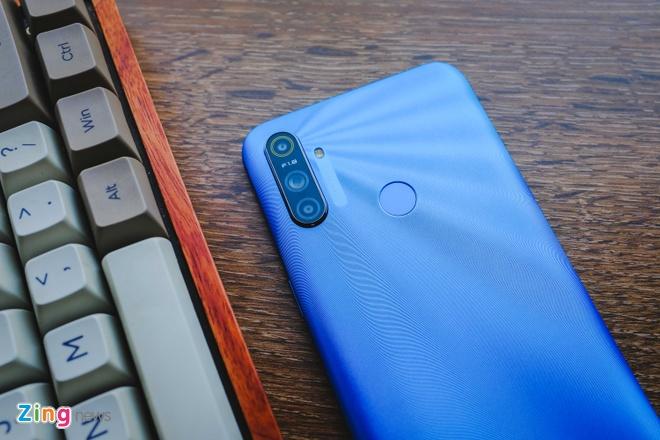 Chi tiet Realme C3, smartphone 3 camera sau gia 3 trieu dong hinh anh 7 RealmeC3_zing.JPG