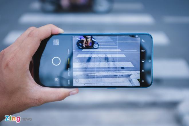Chi tiet Realme C3, smartphone 3 camera sau gia 3 trieu dong hinh anh 8 RealmeC3_zing_11.JPG
