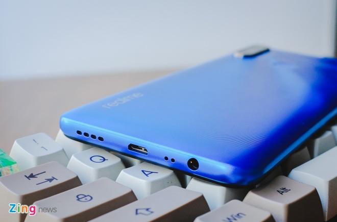 Chi tiet Realme C3, smartphone 3 camera sau gia 3 trieu dong hinh anh 5 RealmeC3_zing_6.JPG