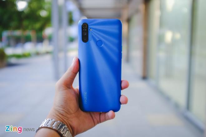 Chi tiet Realme C3, smartphone 3 camera sau gia 3 trieu dong hinh anh 1 RealmeC3_zing_8.JPG
