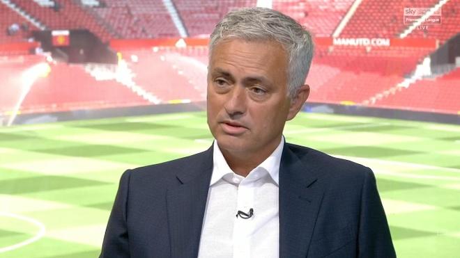 HLV Mourinho noi gi ve nhung tan binh cua Arsenal he nay? hinh anh