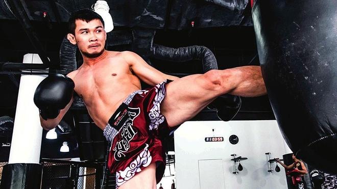 Huyen thoai Muay Thai noi gi ve tran dau tai Viet Nam? hinh anh