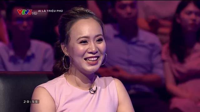Khánh Linh 'Về nhà đi con' xuất hiện cùng ông xã ở Ai là triệu phú