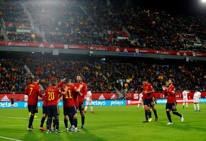 Bao nhieu doi tuyen da gianh ve du EURO 2020? hinh anh 2