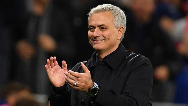 Real Madrid tung ngan HLV Mourinho den Tottenham hinh anh 1