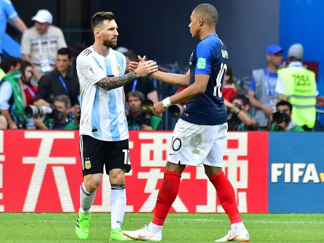 Mbappe: 'That tuyet voi khi duoc Messi chu y' anh 1