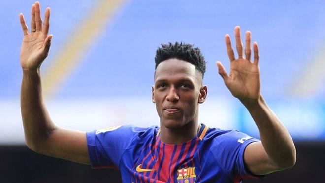 Yerry Mina (năm 2018, 11.8 triệu euro): Tuyển thủ Colombia chưa bao giờ chiếm trọn niềm tin với đội chủ sân Nou Camp. Anh có 6 lần ra sân trước khi chuyển sang Everton.