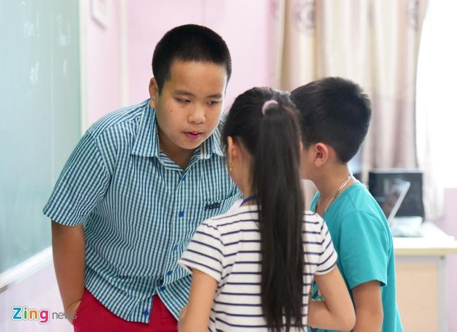 'Than dong' Do Nhat Nam mo lop day tieng Anh mien phi hinh anh 5