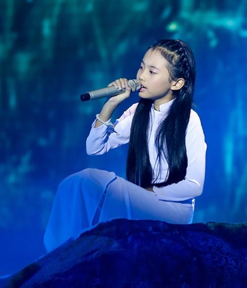Fan lai to nha dai 'dim hang' Phuong My Chi hinh anh