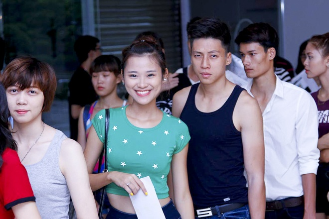 Cap chan dai yeu nhau 'lam nong' casting Next Top Model hinh anh
