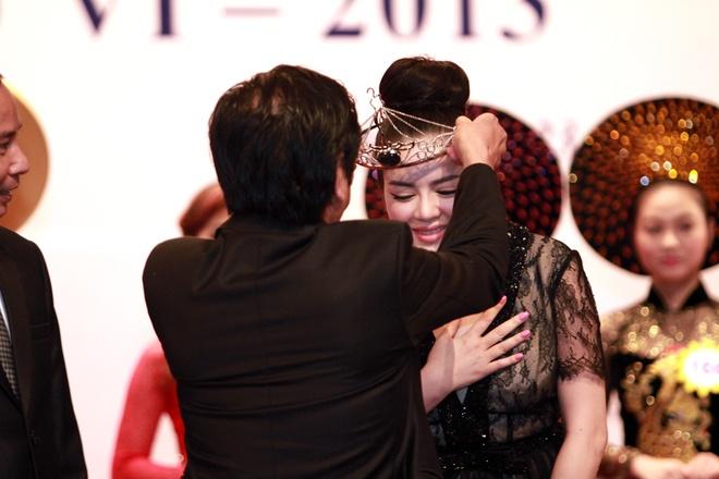 Ly Nha Ky lam Dai su Nu hoang Trang suc Viet Nam hinh anh 3