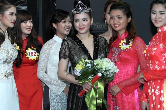 Ly Nha Ky lam Dai su Nu hoang Trang suc Viet Nam hinh anh 5