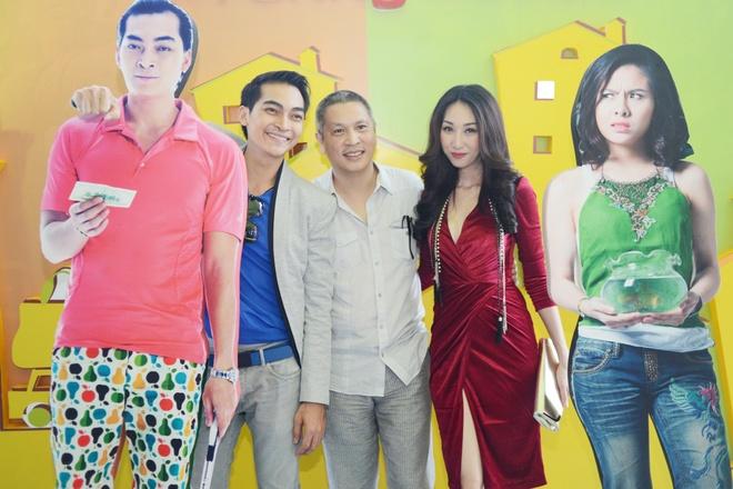 Khuong Ngoc om tu Van Trang toi Leu Phuong Anh hinh anh 8