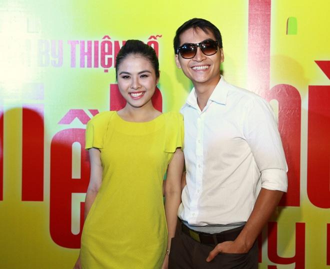 Khuong Ngoc om tu Van Trang toi Leu Phuong Anh hinh anh 1