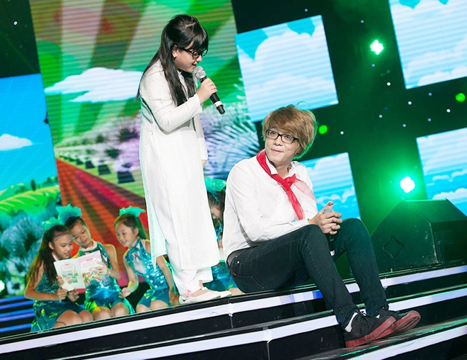 'Quang Anh The Voice Kids rat thich khoe chieu cao' hinh anh 10