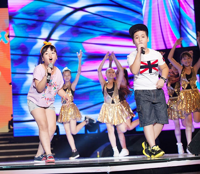 'Quang Anh The Voice Kids rat thich khoe chieu cao' hinh anh 7