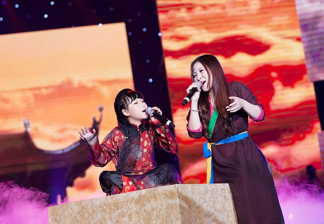 'Quang Anh The Voice Kids rat thich khoe chieu cao' hinh anh 8