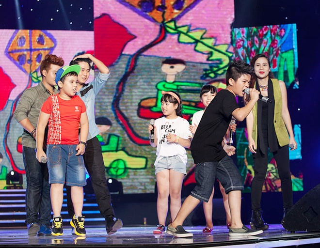'Quang Anh The Voice Kids rat thich khoe chieu cao' hinh anh 12