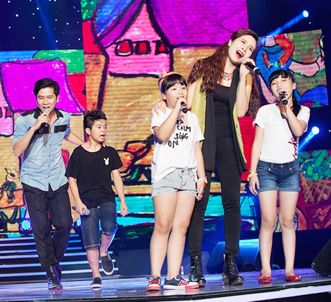 'Quang Anh The Voice Kids rat thich khoe chieu cao' hinh anh 13