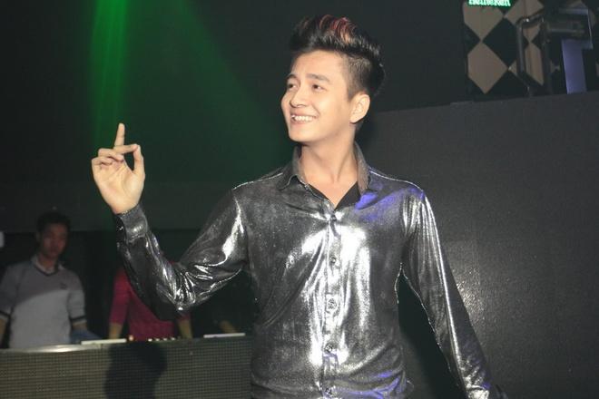 Ngo Kien Huy 'dot lua' dem dau dong Ha Noi hinh anh 9