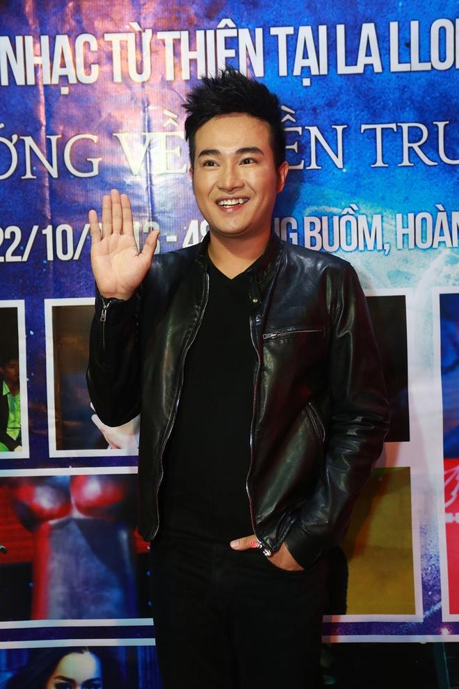 Hong Que cung Khac Viet tham gia dem nhac ung ho mien Trung hinh anh 3