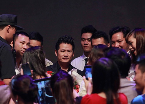 Bang Kieu 'hen ho' fan ruot khi vua toi Quang Ninh hinh anh