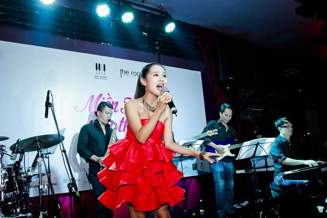 Van Mai Huong do giong cung hot girl The Voice hinh anh 12