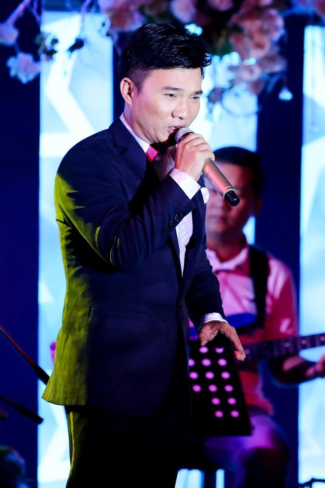 Le Quyen nung niu ben Ha Ho - Duong Trieu Vu hinh anh 13