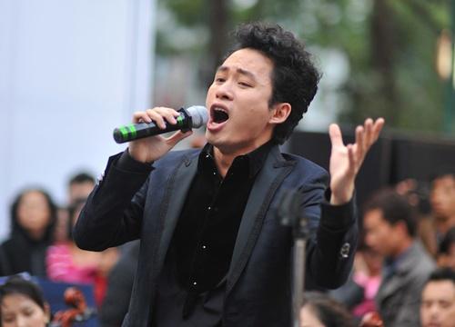 Tung Duong 'len dong' tren via he Ha Noi hinh anh