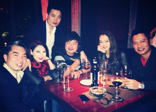 Thanh Thao va vo chong Jennifer Pham ru nhau di bar hinh anh