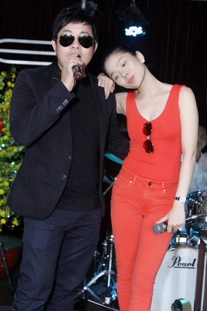 Phuong My Chi hon ho nhan li xi tu ba nuoi Quang Le hinh anh 8