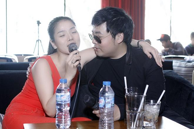 Phuong My Chi hon ho nhan li xi tu ba nuoi Quang Le hinh anh 9