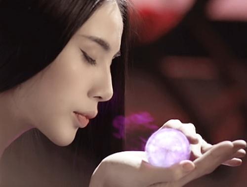 Thuy Tien lam ho ly trong MV moi hinh anh